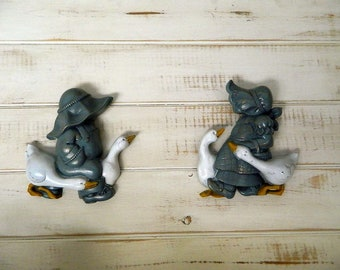 Burwood Amish Boy and Girl Wall Plaques - 1986 - Made in USA