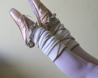White Leg Warmers- Legwarmers with green lace