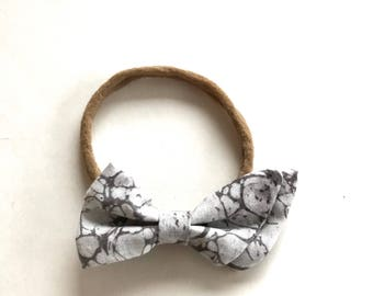 SALE! Gray and White Marble Split Bow