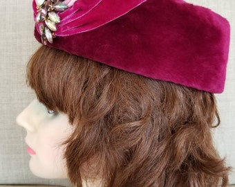 "Vintage Women's ""Jan Leslie"" Purple/Pink Couture Hat"