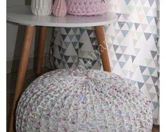 A little sweetness and happiness with this romantic beanbag made violet and white with pastel floral print