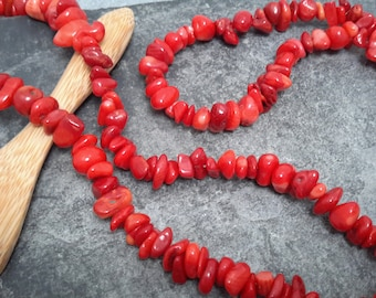 Chips beads dyed red Pearl, spacer beads irregular shell beads, 6/8 mm, 10 cm