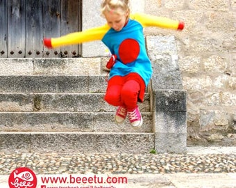 BEEETÚ sweater dress with balloon and fish toy
