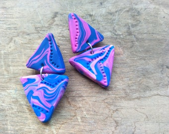 Triangle Dangles - Fuchsia  and Blue Swirls