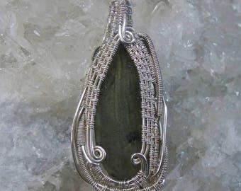 wire wrap pendant: moldavite