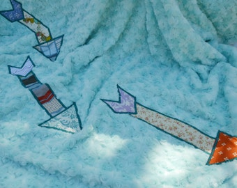 Blue arrow fleece blanket, twin size blanket, girls blanket, teen room decor, dorm room decor, bedroom decor, boho decor, bohemian blanket