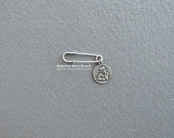 Micro charm brooch _ Angel