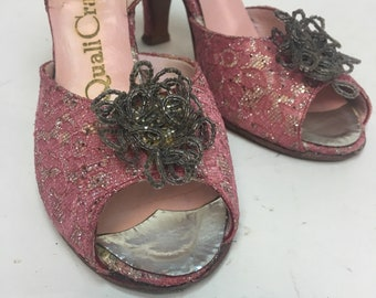 "Vintage 1950s Shoes /  50s Pink Lace Lame Beaded Peeptoe Slingback Pumps / Bombshell Girlie Girl 4"" Heels / size 6 1/2"