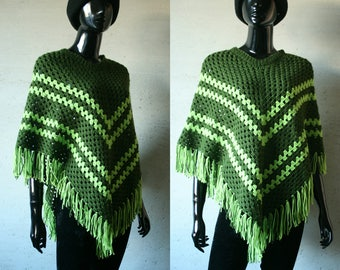 Vintage green poncho Crocheted women's poncho with fringe Handmade mesh women's poncho Small size Hippie Bohemian warm autumn spring poncho