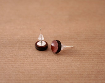 Tiny round wooden stud earrings. Tiny studs. Minimalist earrings. Wooden earrings.