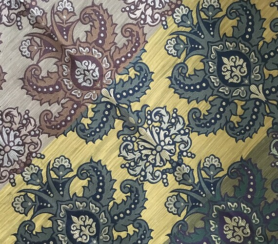 """A one-off stunning English woven silk fabric sample length in a mix of colours, measuring 27"""" x 48"""" in a medium weight"""