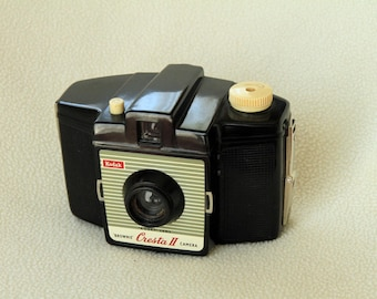 Vintage Kodak Brownie Cresta II Camera from the 1950's - with Case