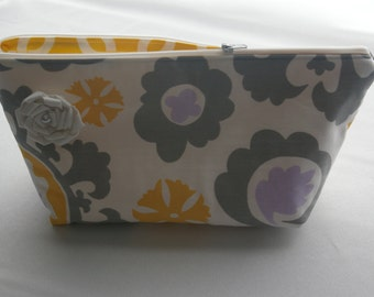 CLEARANCE...Large Flat Bottom Cosmetic Bag in Mod Floral Print...The Adelaide Collection