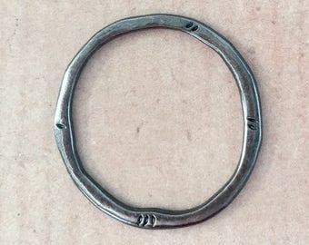 Ring Gunmetal Pewter Jewelry Pendant Hanger Keychain