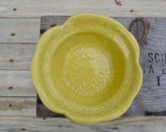 McCoy Lime Green Bowl . Vintage McCoy