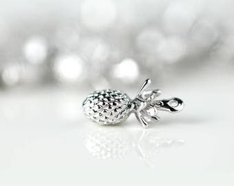 1 Silver Plated Pineapple Charm, Dainty Silver Pineapple Pendant, 1PPA-S