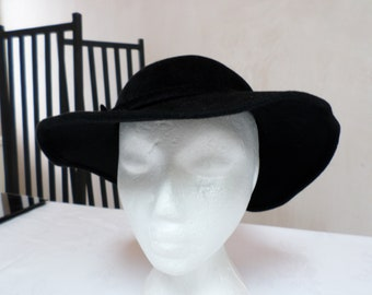 Vintage Black hat 100% rabbit hair , Wide brimmed hat Made in England