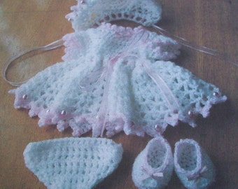 dolls crochet  pattern for the set of dress bonnet pants and shoes