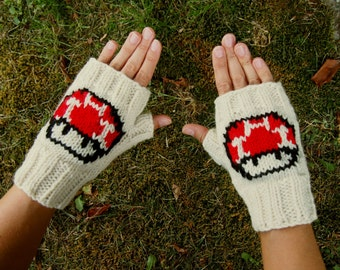 Super Mario Bros Mushroom Fingerless Gloves Nintendo Texting Gloves - Mushroom Wrist Warmers Knit Comic Con Mittens - Retro Nintendo Gloves
