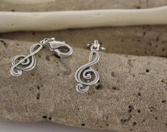 Treble clef metal charm