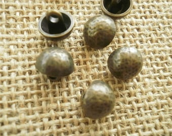 Set of 5 balls buttons brassed metal, etched pattern on top, size 11 mm