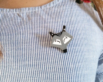 cold porcelain Wolf head pin