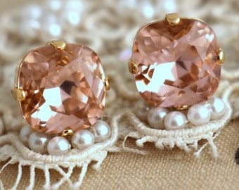 Blush pink earrings, Blush pink crystal earrings, Blush pink Silver earrings, Swarovski blush pink studs, Bridesmaids earrings,Silver studs