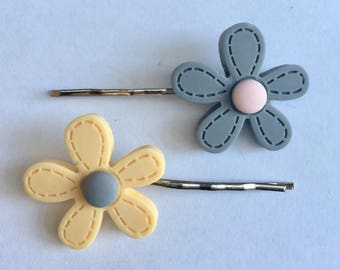 Pair of hair grips, two hair clips, daisy hair grips, floral hair clips, flower hair grips, girls hair slides