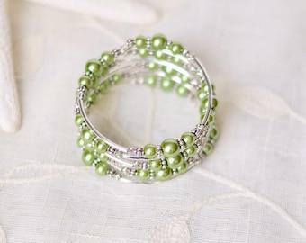 Green Bracelet - Gift for mom - Mothers day gift - Gift for wife - Womens gift - Beaded bracelet - Memory wire bracelet - Wrap bracelet