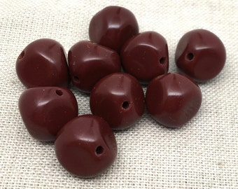 20 Vintage Reddish Brown Nugget Glass Beads