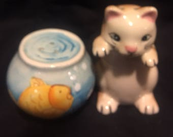 Cat and fish bowl salt and pepper shakers