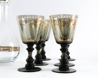 Wine Goblets, Wine Glasses, Water Goblets, decanter, Wine Decanter, elegant barware, gold pattern, Decanter with gold border, bar cart decor