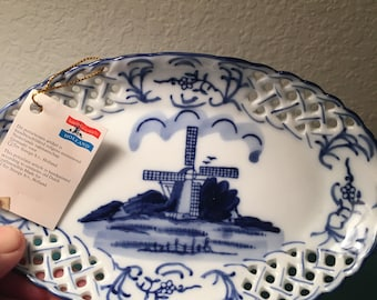 Delft hand painted reticulated tray