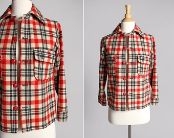 Vintage 1950's Wool CHIPPEWA button Up - Woven Shirt Woolen Mills Red Tan Black Retro Woodland Camp Outdoors flannel - Size Small or Medium