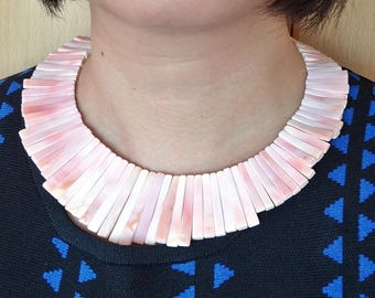 Pink Queen Conch Egyptian Collar Necklace with toggle clasp One strand J7592