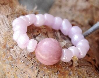 Rhodochrosite ring - Beaded ring - Gemstone ring - Gemstone jewelry - Gemstone ring - pink ring - pink jewelry - pink glass, gemstone beads