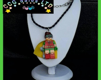 Batman 'Robin' Mini Fig Toy Necklace