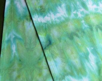 Green Table Runner, OOAK Table Runner, Hand Dyed Table Runner, Home Decor Linen, Table Runner, Table Linen