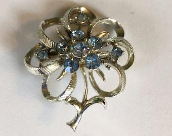 Vintage Silber-Ton Blau Strassblume mit Stiel Brosche