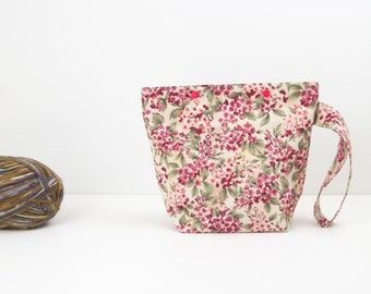 Flower knitting project bag, small floral zipperless knitting bag with snaps, crochet storage
