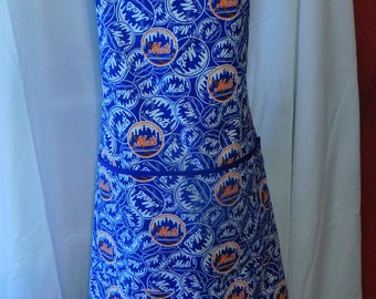 MEN'S NY METS Apron ---  large lined pocket with smaller pocket for favorite drink --