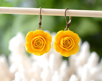 Yellow Rose dangle earrings, Yellow Rose Earrings, Yellow Bridesmaid Earrings, Yellow wedding theme Jewelry