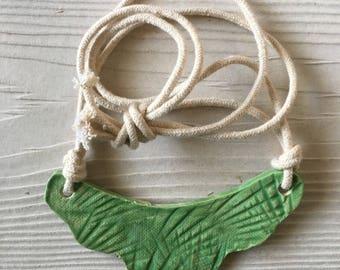 Palm ceramic bib necklace - mint