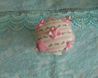 Vintage Buttons Collection Handmade Pin Cushion 200 Plus Buttons 0505B