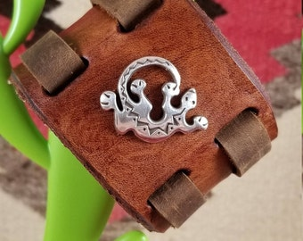 Women's Southwestern Cuff Leather Bracelet with Gecko. Wide, adjustable, western, boho, Latino, Mexican, Aztec, FREE SHIPPING