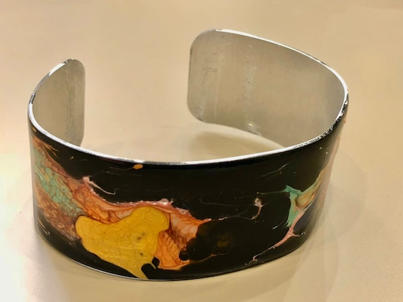 SJC10052 - Enamel painted aluminum cuff open bracelet with abstract design (black, orange, yellow, pink, green, blue, green)