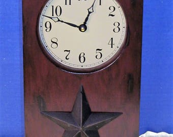 Antiqued Red Barn Star Clock