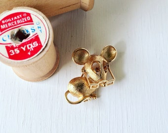 Vintage 1973 Avon 'Spectacular Mouse' with Moveable Glasses Pin Brooch