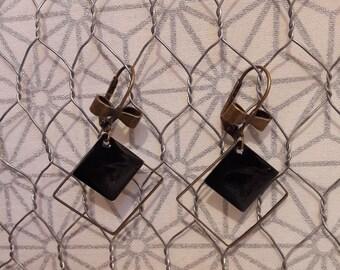Dangling earrings, black enamel sequin