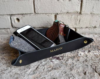 Custom Leather Valet Tray. Multiple Colors. Personalized Full Grain Leather Catchall. Catch All. Desk Organizer, Catch all, Storage Tray.
